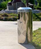 Metal rubbish bin — Stock Photo