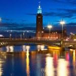 Ночной вид на Старый город в Стокгольме, Швеция — Стоковое фото