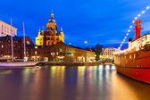 Nacht uitzicht op de oude stad in helsinki, finland — Stockfoto