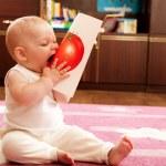 Baby eat tomato — Stock Photo #7628938