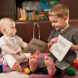 Children playing with cards — Stockfoto