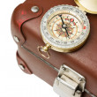 Old suitcase  and compass — Stockfoto