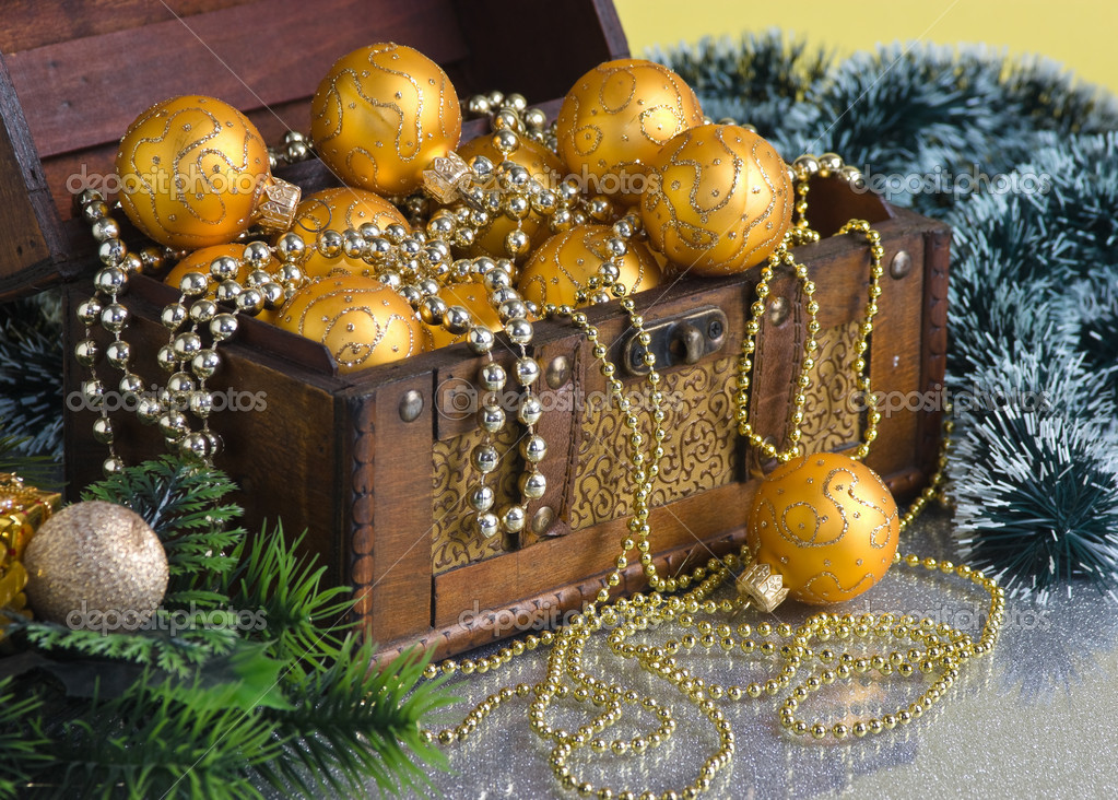 Christmas decoration in chest on Christmas background  — Stock Photo #7285572