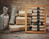 Stapel perceel en abacus — Stockfoto