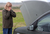 Woman and Her Broken Car — Stock Photo