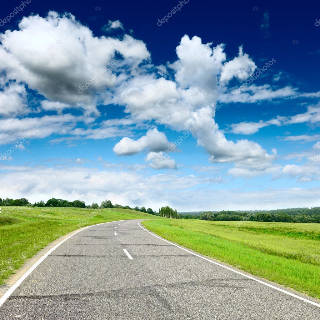 Country road at summer sunny beautiful day — Stock Photo #6891479