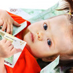 Child with euro money. — Stock Photo