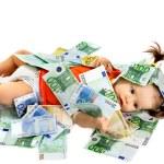 barn med euron pengar — Stockfoto