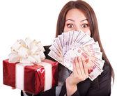 Vrouw met geld (Russische roebel). — Stockfoto