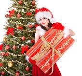 在圣塔举行礼品盒圣诞女孩. — 图库照片