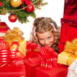 Kid with Christmas gift box. — Stock Photo