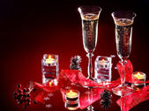 Weihnachten-stillleben mit champagner. — Stockfoto