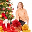 Young woman with Christmas gift box. — Foto Stock