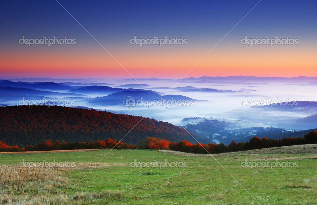 Majestic sunrise in the mountains landscape. HDR image — Stock Photo #6862101