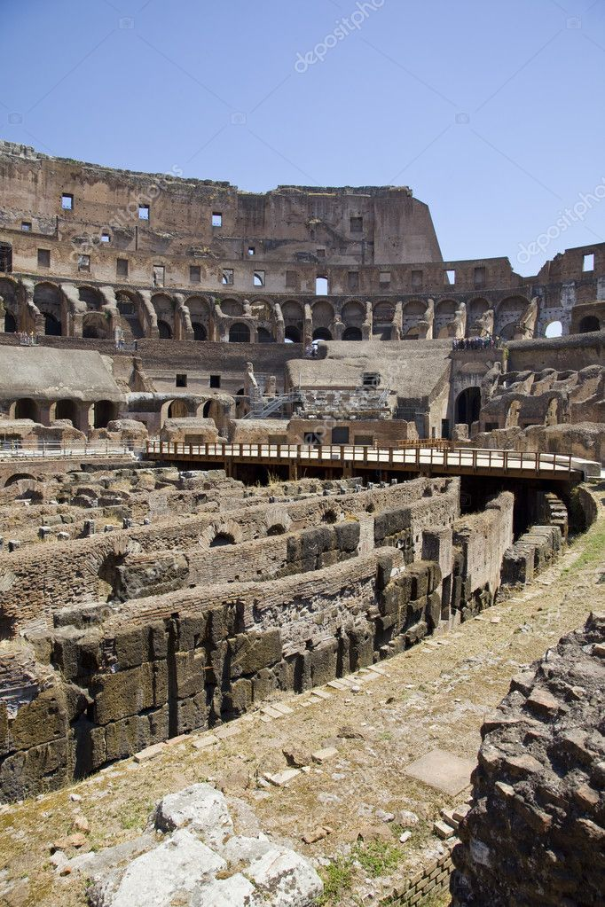 Image of the famouse roman coliseum where gladiators fought — Stock Photo #7853087