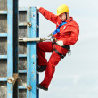 Worker mounter at construction site — Stock Photo