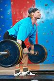 Kulturysta podnoszenia masy ciała siłownia sport — Zdjęcie stockowe