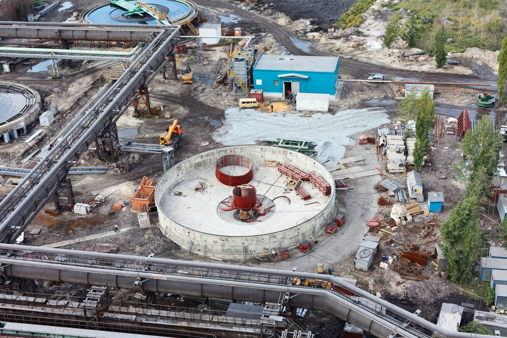Sewage industrial water plant under construction on factory — Stock Photo #7581916