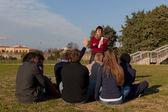 Studenti e giovani insegnanti — Foto Stock