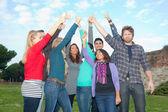 Vysokoškoláky s palec nahoru — Stock fotografie