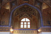 Window in Aksaray mausoleum — Stock Photo