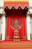 The great imperial throne in the St George Hall — Stock Photo