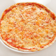 Cheese pizza — Stock Photo