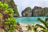 Bahía de la isla phi phi maya — Foto de Stock