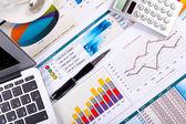 Grafieken, grafieken, zakelijke tabel. — Stockfoto