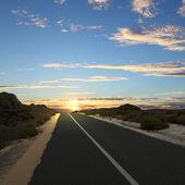 Asfalterad väg på landsbygden — Stockfoto