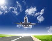 Obraz samolotu pasażerskiego biały — Zdjęcie stockowe
