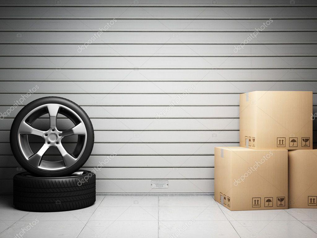 Garage with car spare parts stock photo shenki 7495665 for Auto p garage roussillon
