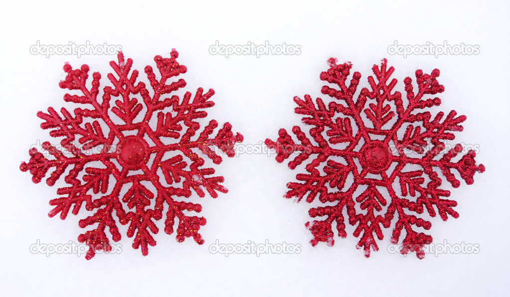 Beautiful snowflakes isolated on snow — Stock Photo #7907129