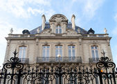 Mansion with coat of arms in Rennes, France — Stock Photo