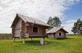 Antica casa di legno russo tradizionale x secolo — Foto Stock