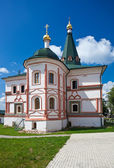 Russian orthodox church. Iversky monastery in Valdai, Russia. — Foto de Stock