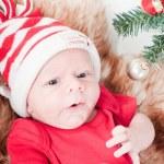 bebê recém-nascido no chapéu de chritstmas — Foto Stock #6937671