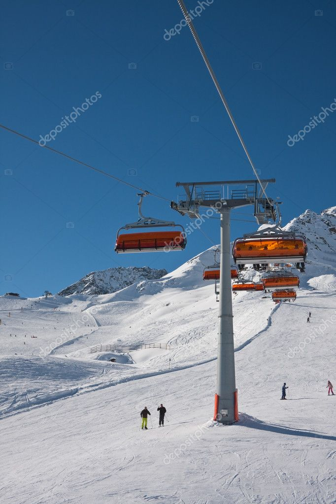 Chair ski lift. Solden. Austria — Stock Photo #7103013