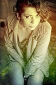 Umění portrétu s krásnou mladou ženu — Stock fotografie