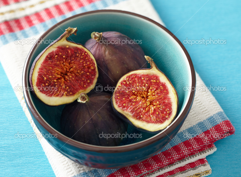 Fresh figs  Stock Photo #7201283