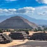 Teotihuacan Pyramids — Stock Photo #7341611