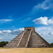 Mayan pyramid in Chichen-Itza, Mexico — Stock Photo #7341664