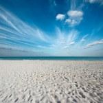Beautiful beach and sea — Stock Photo #7341693