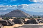 Teotihuacan Pyramids — Stock Photo