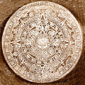 Ancient aztec calendar isolated — Stock Photo