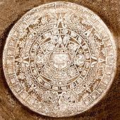 Ancient aztec calendar isolated — Stock Photo