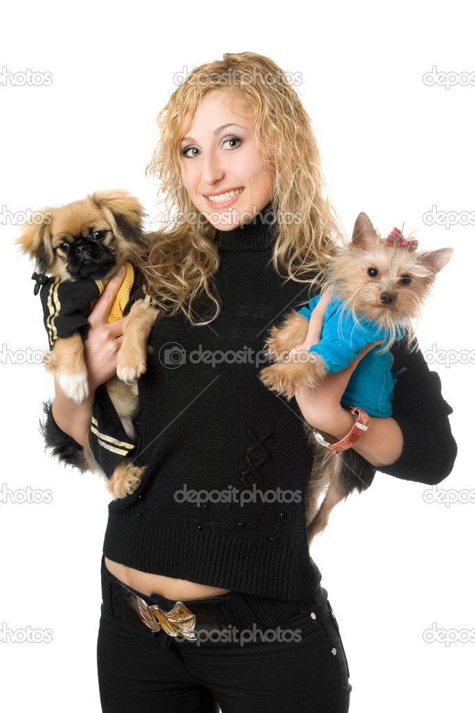 Portrait of smiling young blonde with two dogs. Isolated — Stock Photo #6915998