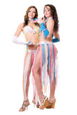 Dvě krásné mladé ženy. samostatný — Stock fotografie