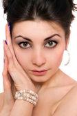 Detailní portrét krásná mladá bruneta. samostatný — Stock fotografie