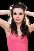 Retrato de uma jovem atraente morena — Foto Stock